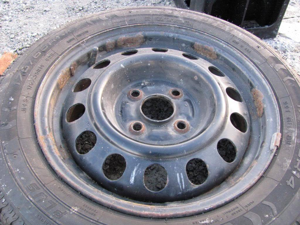 DIY: OEM Wheel Restoration (tires mounted), plus Hubcaps and Lugs -pic heavy IMG_4374