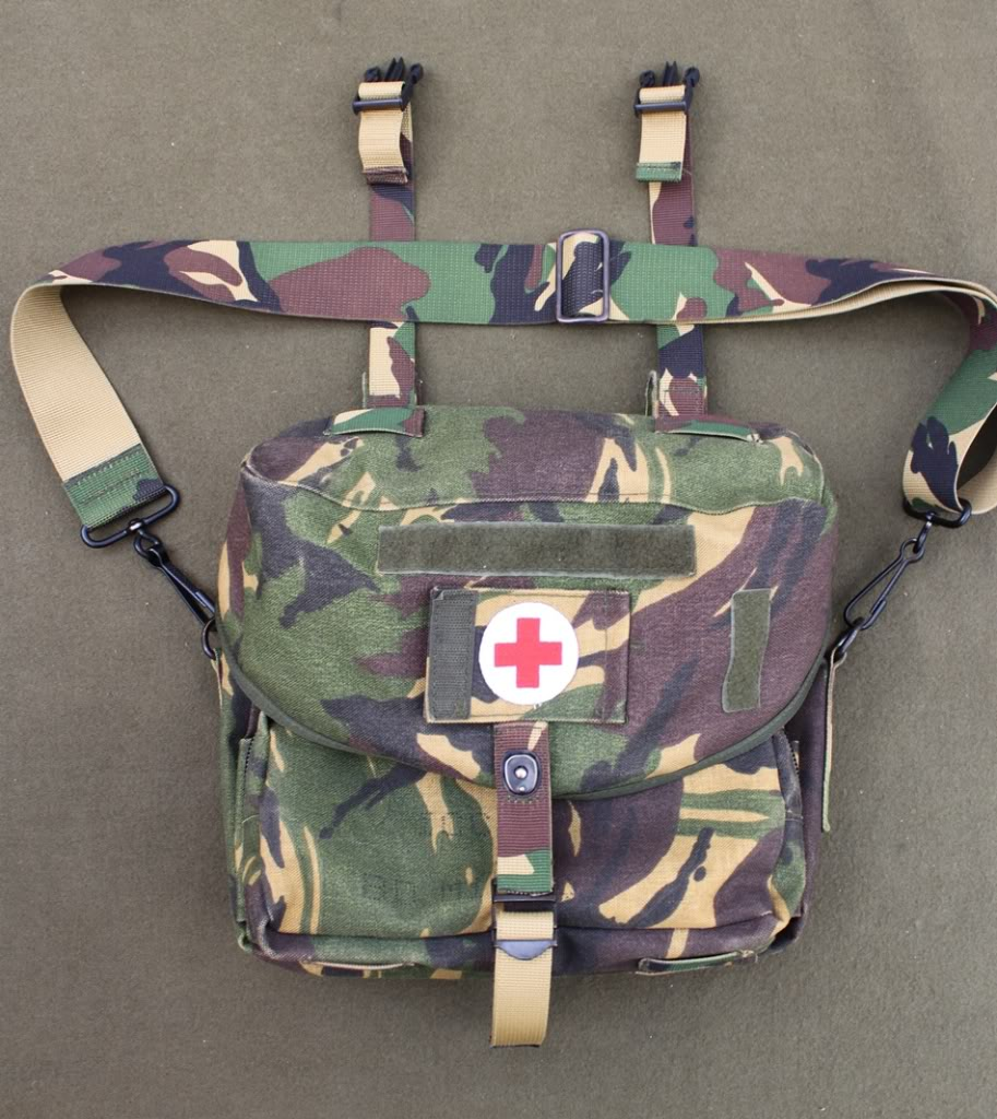 Dutch DPM Medic Satchel DutchMedicBag01