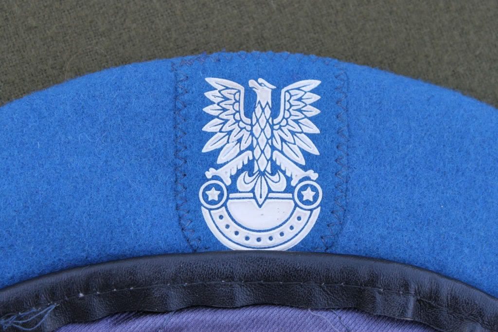 Couple of berets and other bits Polishberet03-1