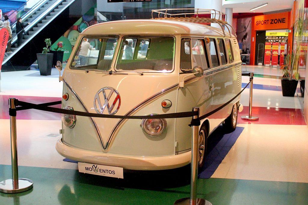 Exposição Clássicos Volkswagen | 1 a 10 maio'15 | C.C. Mira-Maia 11194539_479058315593132_1615075457508332245_o_zpscu8usib3