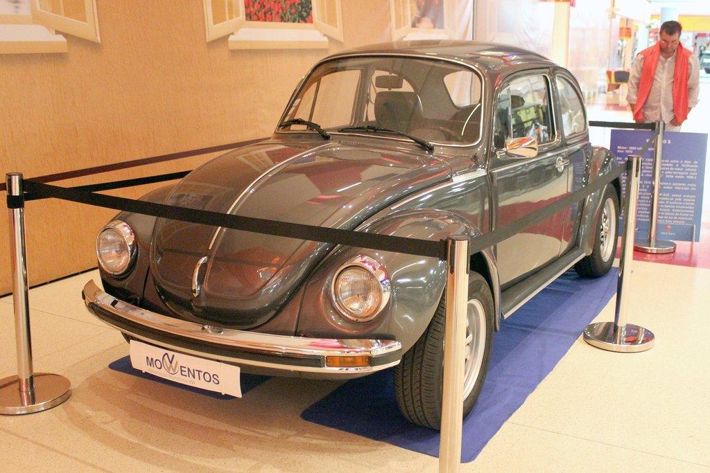 Exposição Clássicos Volkswagen | 1 a 10 maio'15 | C.C. Mira-Maia 11216612_479058135593150_715765842762880430_o_zpsyd0uwcmy