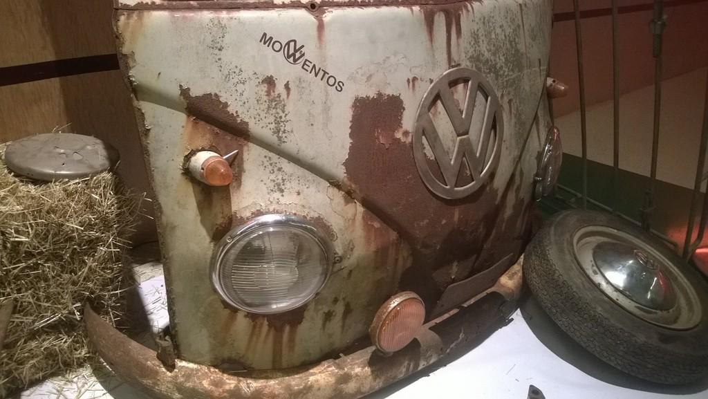 Exposição Clássicos Volkswagen | 1 a 10 maio'15 | C.C. Mira-Maia WP_20150501_008_zpswqfymk3k