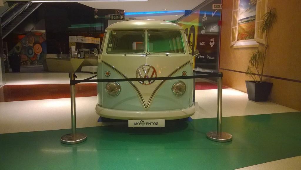 Exposição Clássicos Volkswagen | 1 a 10 maio'15 | C.C. Mira-Maia WP_20150501_012_zpsshwnu1bf