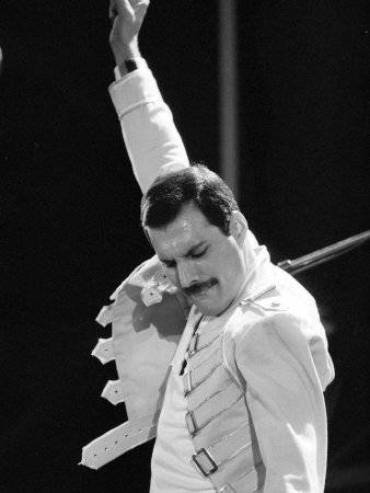 Mass Effect Indoctrination Blog Queen-rock-group-freddie-mercury-in-concert-at-st-james-park-in-newcastle-1986_zpsc7531710
