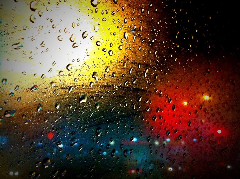 Giọt mưa trên kiếng REDSVN-Rain-03