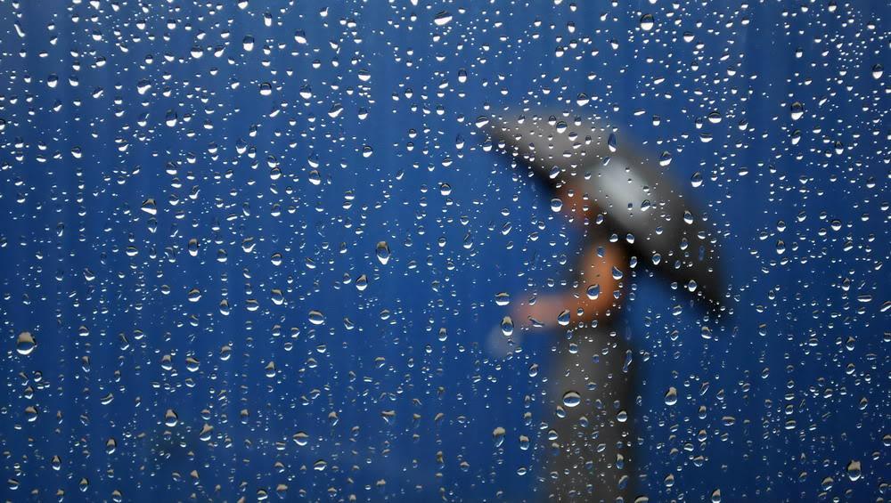 Giọt mưa trên kiếng REDSVN-Rain-11