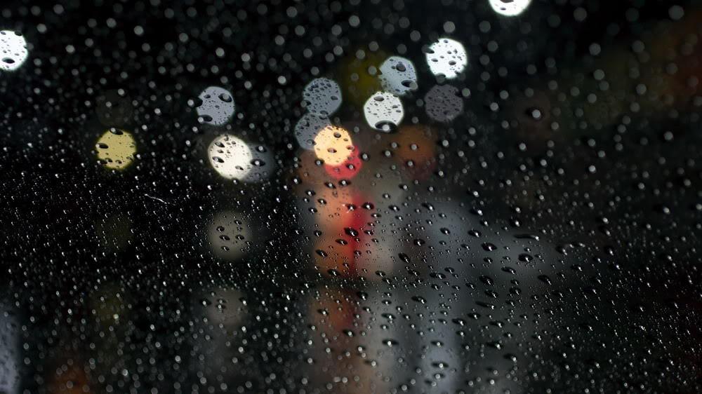 Giọt mưa trên kiếng REDSVN-Rain-31