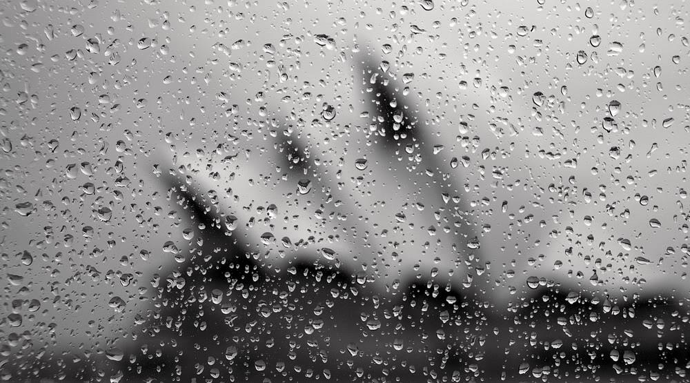 Giọt mưa trên kiếng REDSVN-Rain-32