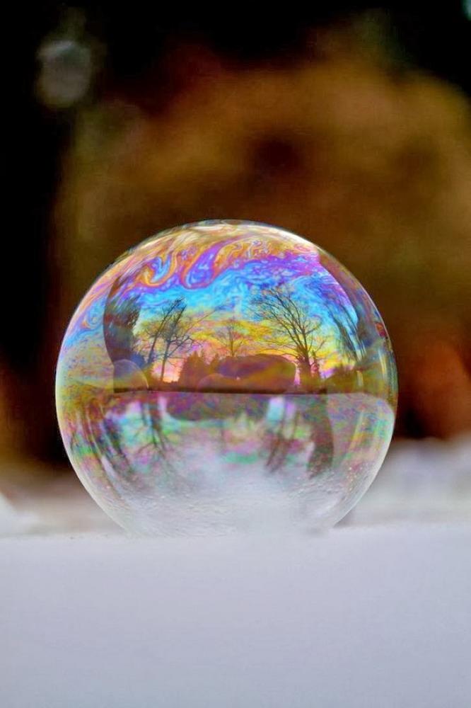 Bong bóng xà phòng đóng băng Redsvn-Angela-Kelly-bubble-19