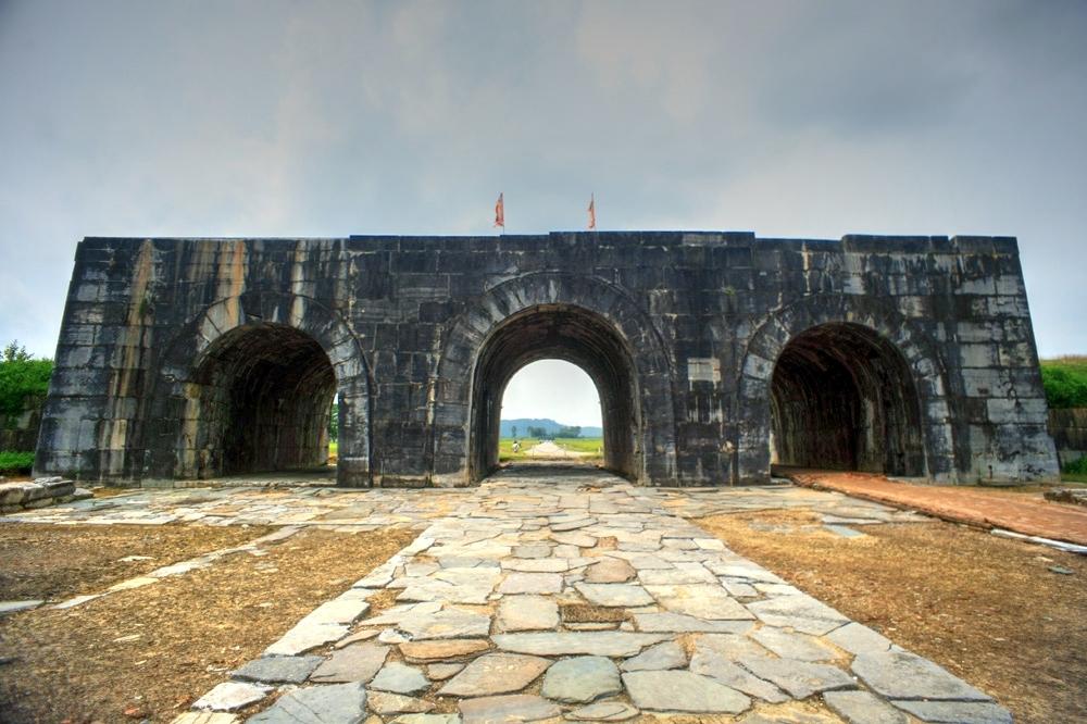 Khám phá tòa thành cổ kỳ vĩ nhất Việt Nam Redsvn-Thanh-nha-Ho-01