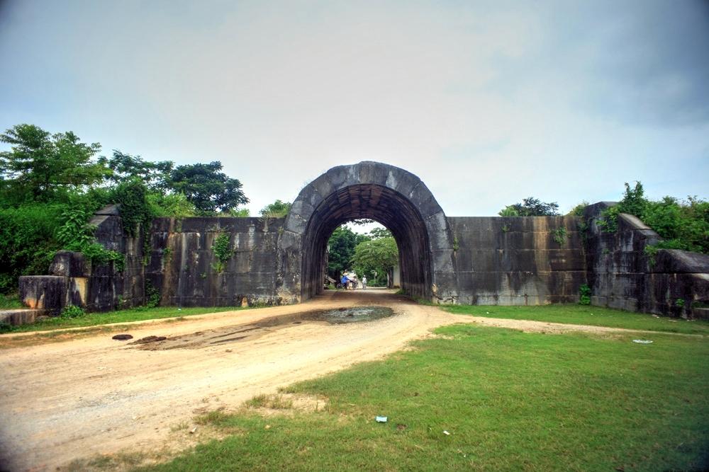 Khám phá tòa thành cổ kỳ vĩ nhất Việt Nam Redsvn-Thanh-nha-Ho-05