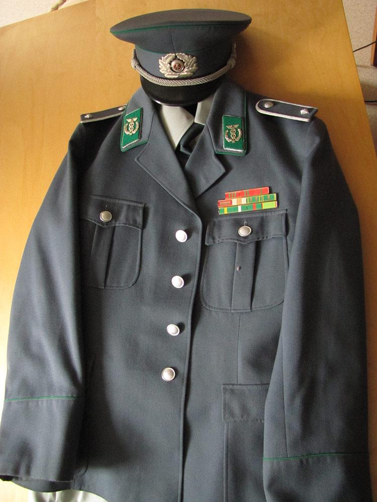 Uniforme d'officier douanes [VENDU] Douanes_zps0e1fc9ae