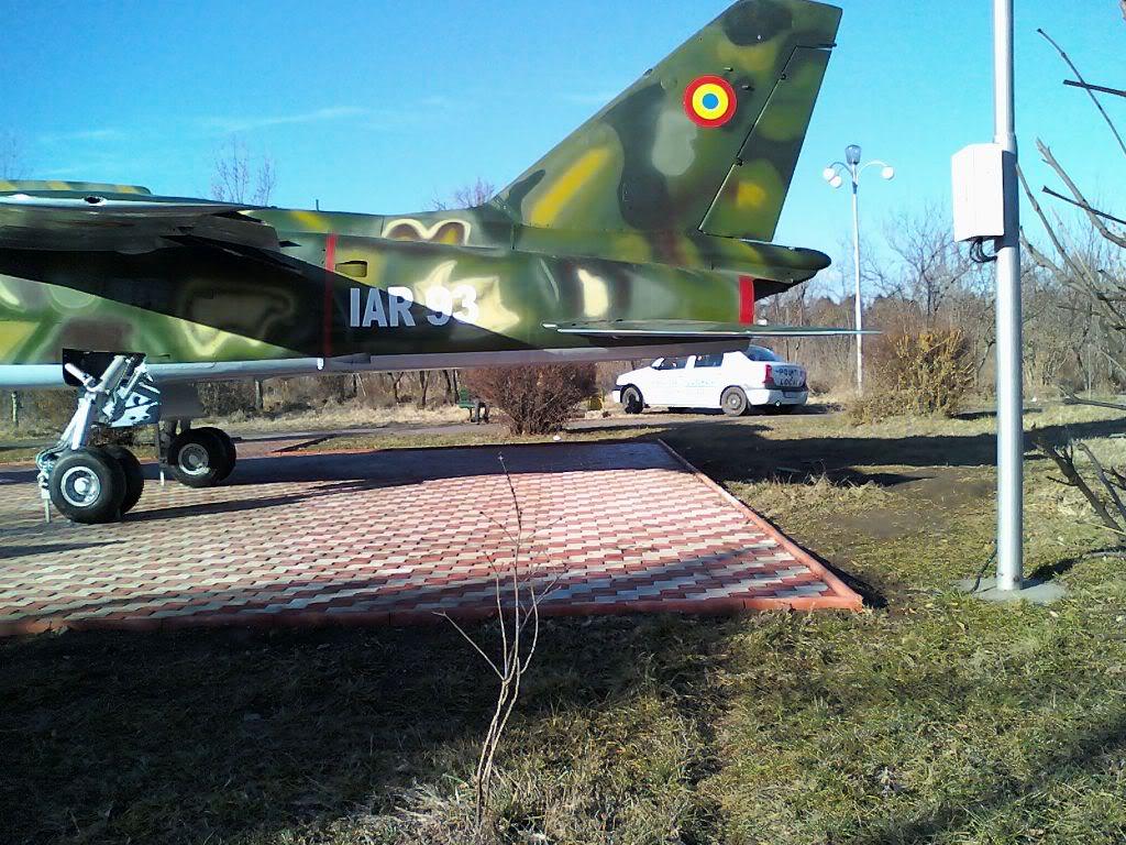 IAR-93 expus la Rosiorii de Vede - Pagina 2 120123_145311
