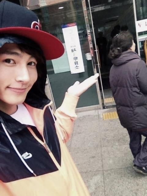 100412 Kiseop publica sobre su voto en las elecciones de Corea 522986_283177428431155_198643540217878_650848_305012970_n