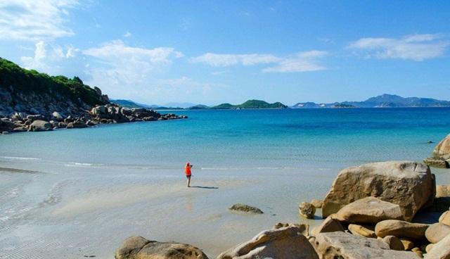 Tất tần tật những bãi biển đẹp của Việt Nam không thể bỏ qua khi đi phươt vào mùa hè Bai-nuoc-ngot-dao-binh-hung_zpswt8mgb3l