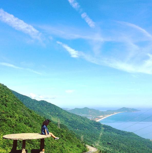Top địa điểm chụp hình sống ảo bạn cần ghi nhớ lúc đến tour du lịch đà nẵng Cau-rong-phun-lua-da-nang-4_zps5rhkiqwi