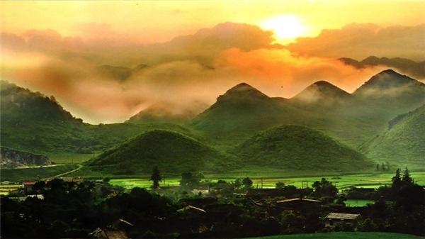 Hòa mình vào khung cảnh đẹp nao lòng người của du lịch Hà Giang Dam-minh-vao-ve-dep-say-long-nguoi-cua-ha-giang-9_zpszelneyuy