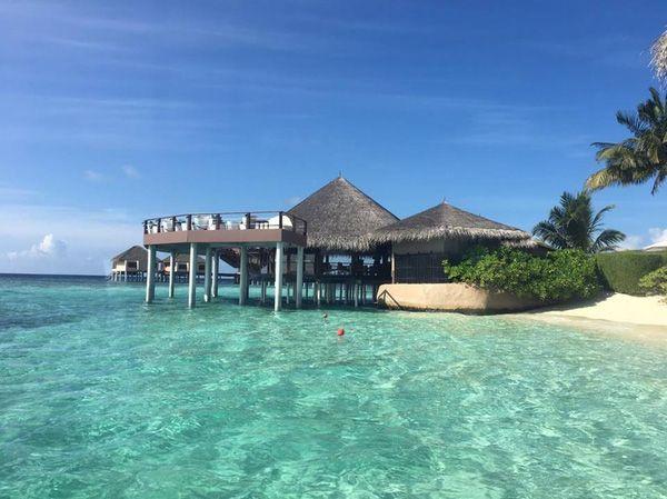 Không sở hữu nhiều tiền vẫn thỏa mong ước đi tour Maldives theo mách của nàng 9x  Khong-co-nhieu-tien-van-thoa-uoc-mo-den-thien-duong-maldives-theo-mach-nuoc-cua-nang-9x-11_zpsdzwio6en