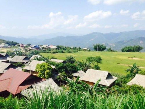 Thị xã Vân Hồ tỉnh Sơn La sở hữu đa dạng địa điểm còn nguyên nét hoang vu và thăng bình để khách du lịch chinh phục Mot-ngay-o-vung-dat-lang-gieng-cua-moc-chau-1_zps9axzha0b