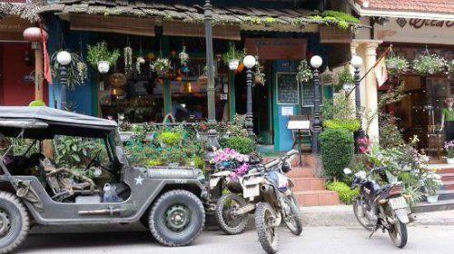 Các quán cà phê du khách có thể vừa nhâm nhi ly cà phê thơm nồng Nhung-quan-ca-phe-co-goc-nhin-dep-o-sa-pa-3_zpspgjcpeyd