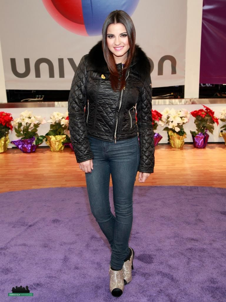 Maite Perroni[5]. - Page 5 A50_zps45a8ee59