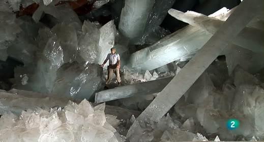 Documental -- El misterio de los cristales gigantes ElMisterioCristalesGigantes_1_zps9b182736