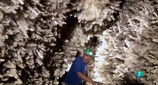 Documental -- El misterio de los cristales gigantes ElMisterioCristalesGigantes_33_zps406952b7