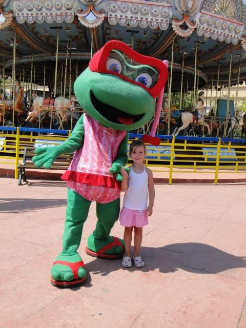 Cuca la Rana part en vacances voir la vraie Cuca la Rana! TerraMitica210