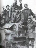 Καλπάκι 3 Νοεμβρίου 1940 - Σελίδα 2 Th_Epano_Se_Arma