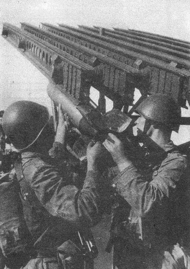 Βόλγας αν.όχθη, Νοέμβριος 1942. 640px-BM_13_TBiU_7_zpsab3af000