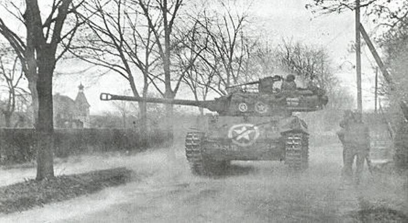 m8 greyhound+m18hellcat M18-Hellcat-wiesloch-19450401_zps26240b71