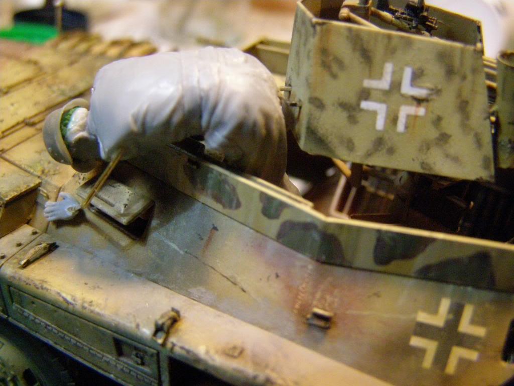 Γερμανία 1945,κυνηγώντας το τελευταίο πουμα! P1100090_zps104032a6
