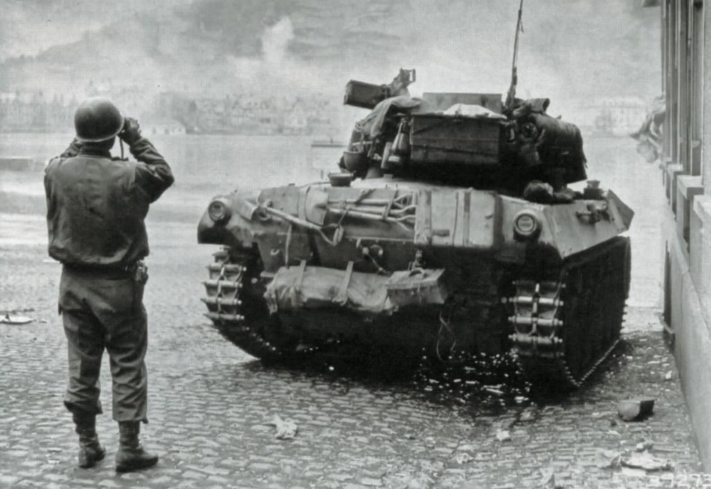 m8 greyhound+m18hellcat M18-5rhine1945_zpsd516de83