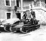 Καλπάκι 3 Νοεμβρίου 1940 - Σελίδα 3 Th_Cro-CV33-siroki_brijeg_tanketa