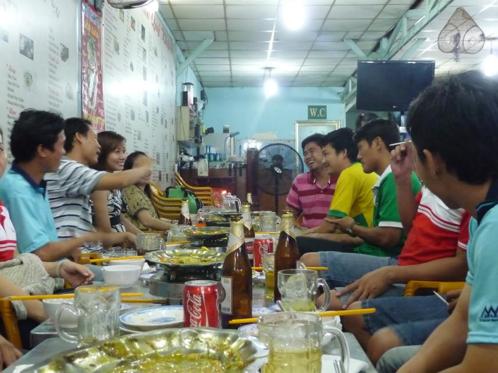 BÌNH LUẬN 12/05/12 LXFC - HAINAM FC: TRẬN CẦU ĐẸP CỦA NHỮNG NGƯỜI LONG XUYÊN P1170587