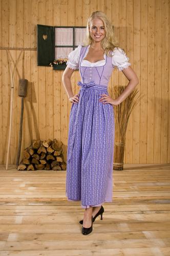Нравится ли Вам австрийская национальная одежда? Dirndl_lila_karo_by_mimmymania