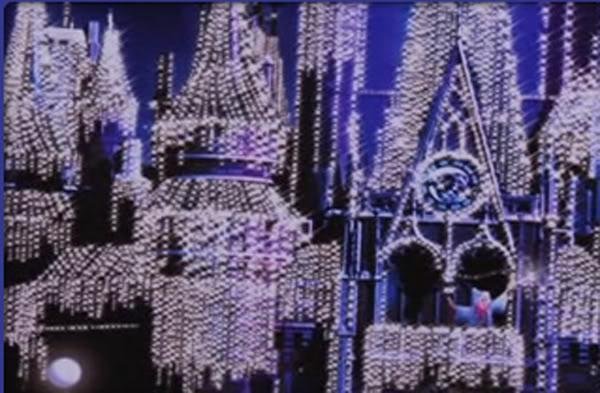 [Magic Kingdom] Château de Cristal copié sur Disneyland Paris Cindycastle2
