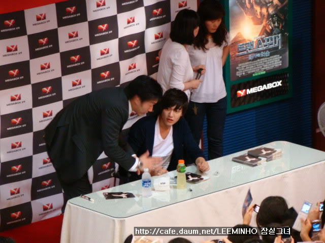 [Pics] Fan Signing Event in GwangJu 98nsbsop1odh18ifpje