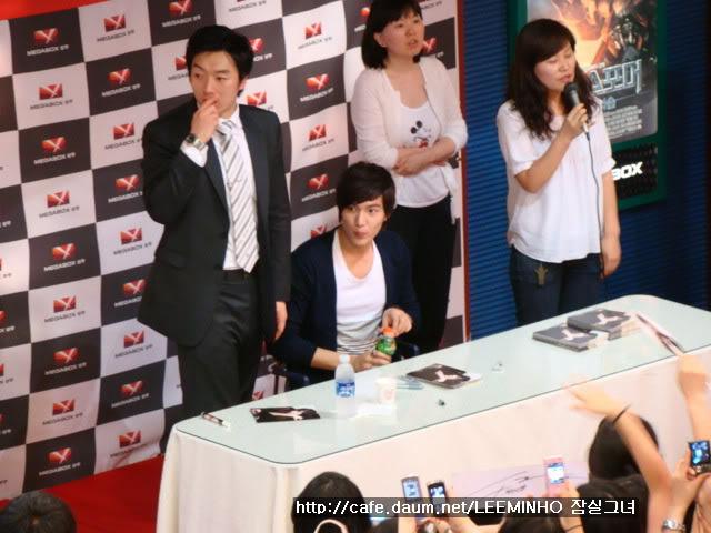 [Pics] Fan Signing Event in GwangJu Har9dlo56l5s521qhqgn
