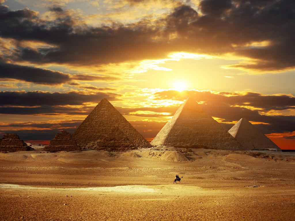 La Clave Secreta De Hiram - Christopher Knight - Página 2 Piramides-de-egipto-1336x768
