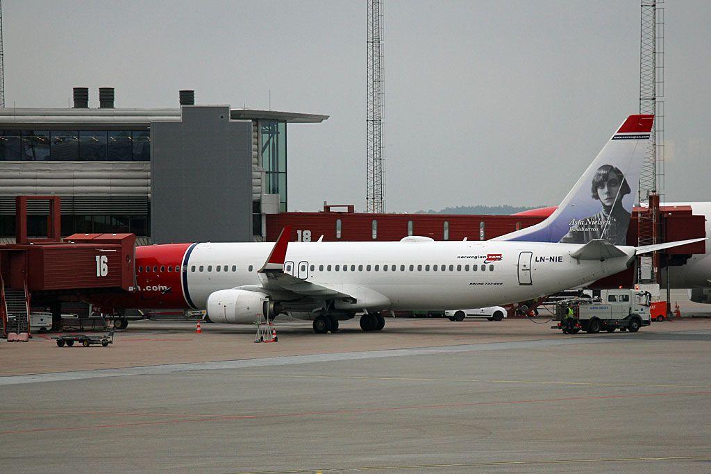 Norwegian (DY / NAX) - Pagina 2 141004IMG_9003LN-NIE_zpscb3ac298