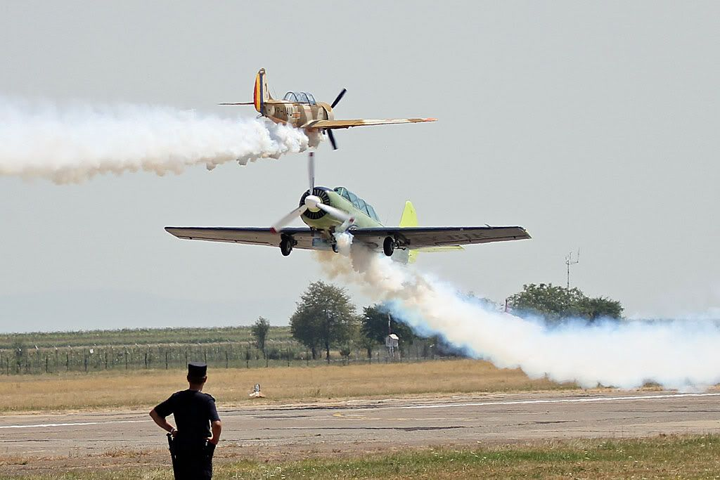 Suceava Airshow - 4 si 5 august 2012 - Poze 81f945a6