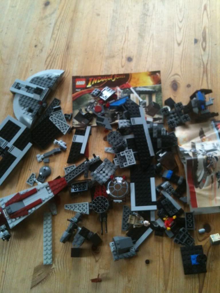 FREE Star Wars Lego A887779E_zps89a441a4