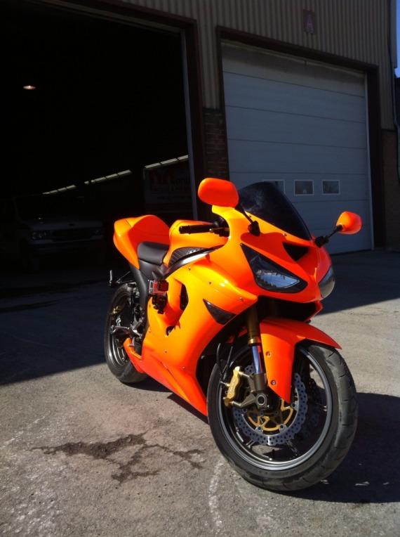 Zx6r orange neon (attention les yeux) 19AAE56D-6273-4774-B765-1FF9A32AA5E9-4042-0000041C941165C9_zps1f35538d