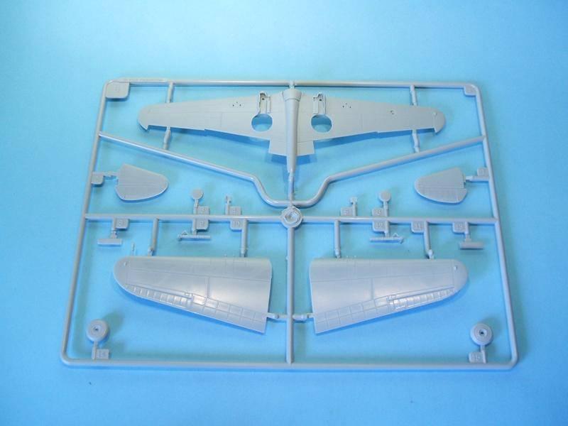 P-40B/C Warhawk - Trumpeter 1/72 DSCF5720_800x600_zpsab7cc804