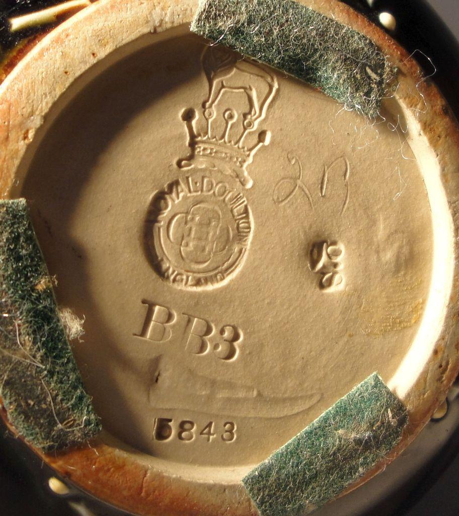 Can anyone help help id the artist for this Royal Doulton Art Nouveau Vase Doulton%205_zpssymjum5u