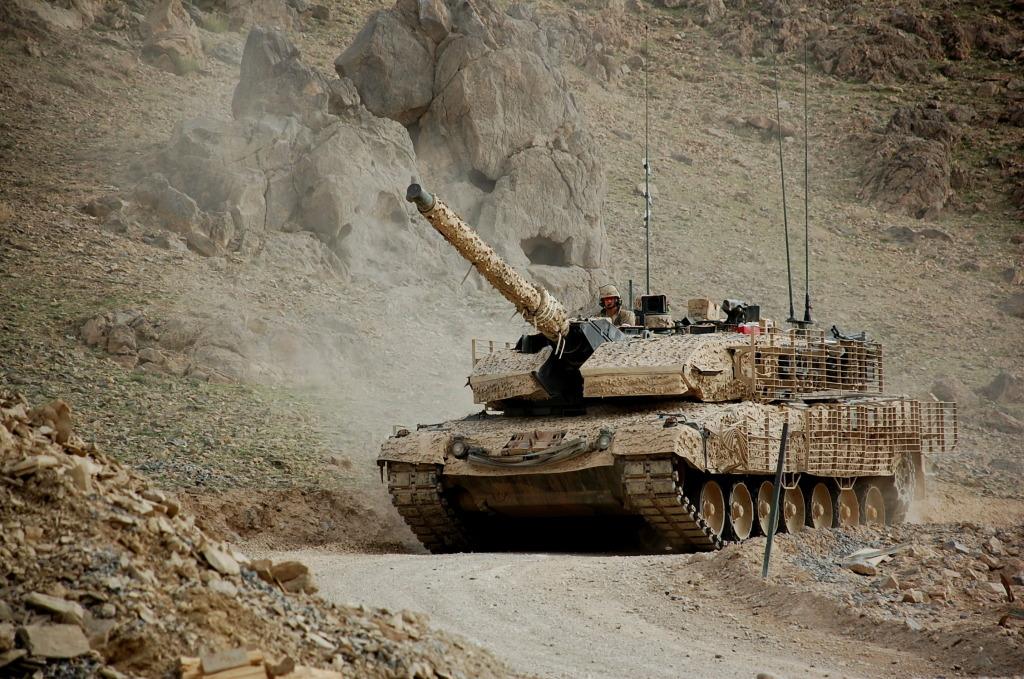 2A6M Leopard in Afaganistan photo's taken by war correspondent DSC_0732