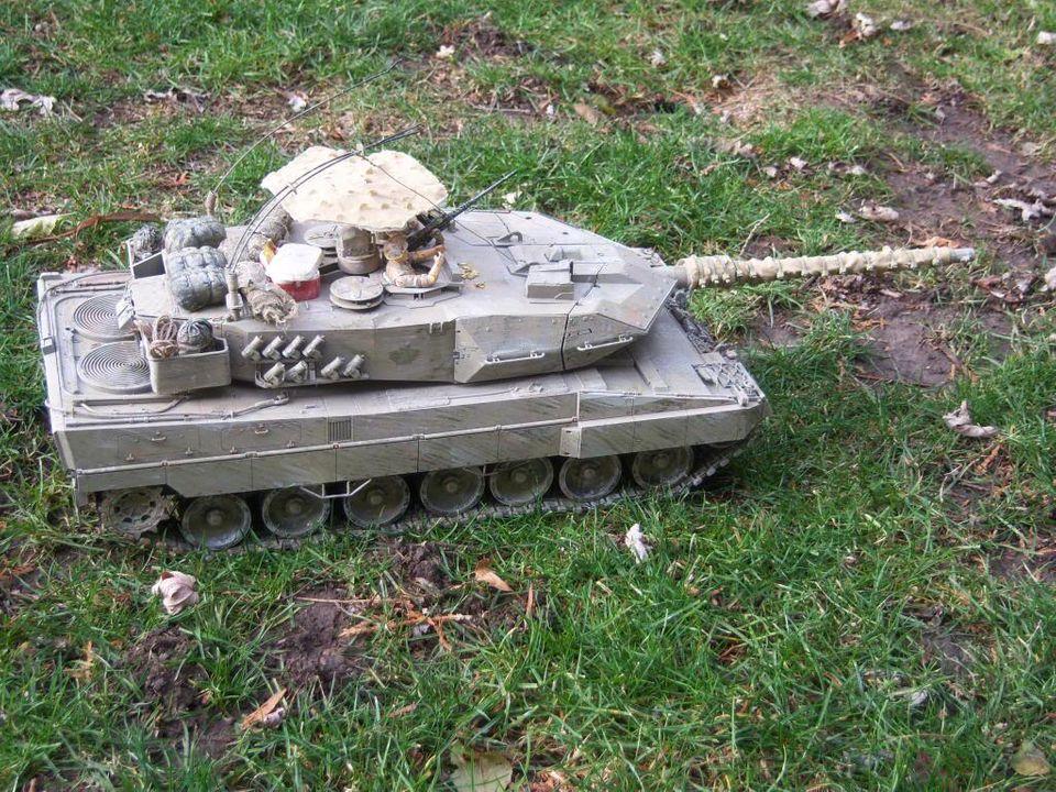 Leopard 2 from hooben? Leopard2012-12-15002_zps4920926d