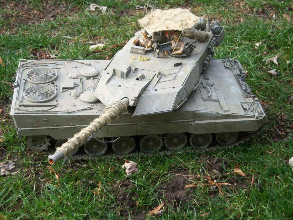 I have started my Leopard 2A6 conversion to a 2A6M CAN ( Afganistan) Leopard2012-12-15004_zpsf52d6724