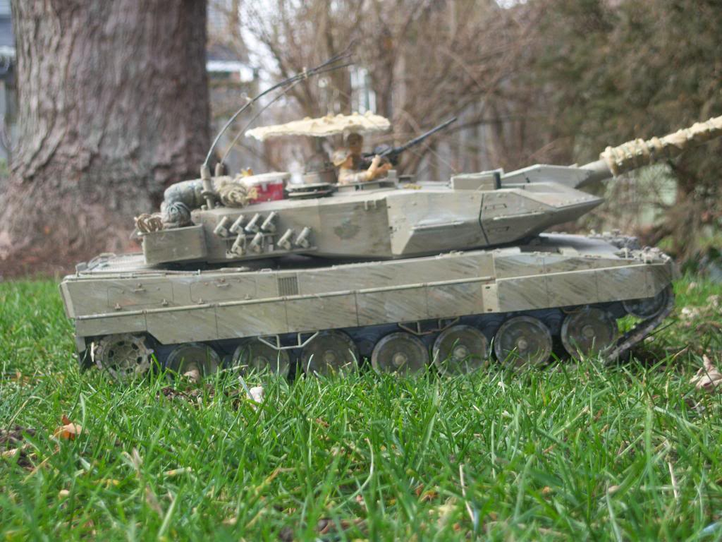 I have started my Leopard 2A6 conversion to a 2A6M CAN ( Afganistan) Leopard2012-12-15012_zpse5b0c467